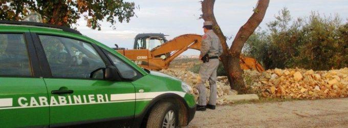 Tollo: i carabinieri forestali sequestrano discarica e pista motocross abusive, tre denunce
