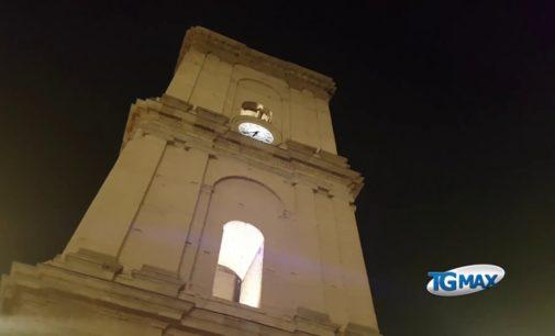 Lanciano celebra la Squilla in piazza Plebiscito, avvolta nella nebbia