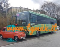 San Vito: autobus contro vecchia 500 sulla Statale 16, un morto