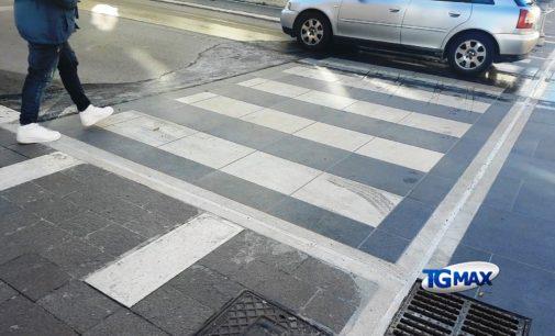 Via De Crecchio riaperta al traffico veicolare, domani l'atteso test con gli autobus
