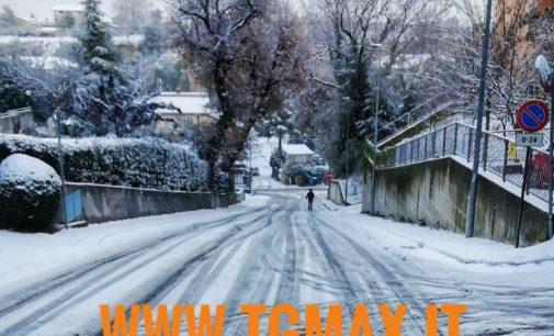 Lanciano: ecco la prima neve, è poca ma i disagi non mancano