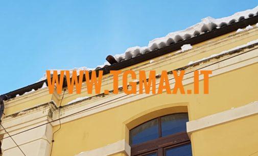 Lanciano: transenne a Palazzo degli studi, cadono tegole dal tetto