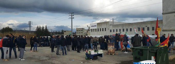 Ex Bluetc: sospeso lo sciopero, domenica riprende la produzione nel turno di notte