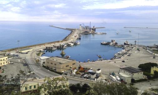 Ortona: è allarme chiusura per il porto, le vongolare se ne vanno