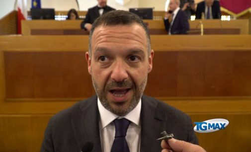 Lorenzo Sospiri eletto presidente del consiglio regionale, ecco chi è