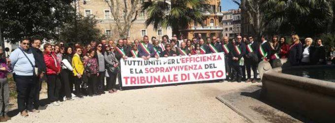 Tribunale Vasto, sindaci e avvocati manifestano a Roma