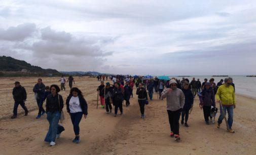 Dune bene comune, la passeggiata dimostrativa a Ortona contro le nuove concessioni balneari
