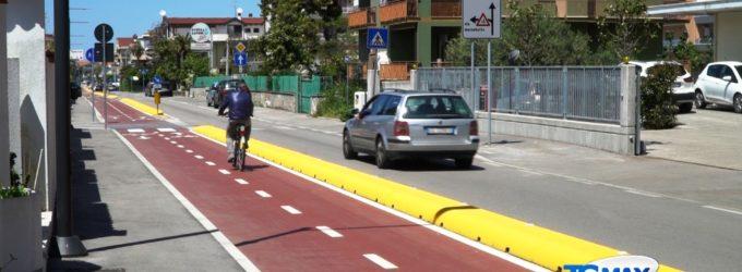 Via del Mare, 600 firme per smantellare la pista ciclabile