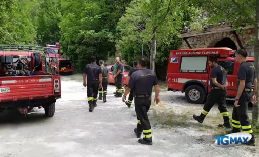 Fara San Martino: si staccano piccoli massi dalle gole, donna ferita gravemente