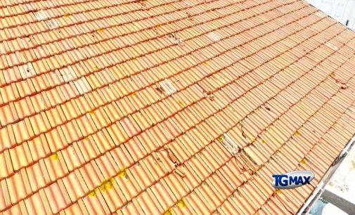 Dopo la grandine, è caccia alle tegole per riparare i tetti