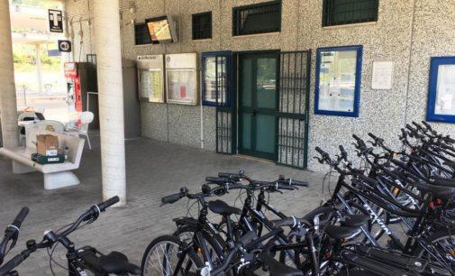 Parti in treno o bus e raggiungi la spiaggia su due ruote, attivate le bike station sulla costa dei trabocchi