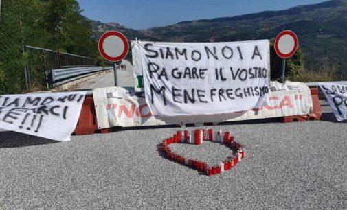 Ponte Sente, va in scena la protesta dei giornalisti (quelli che cantano con la penna)