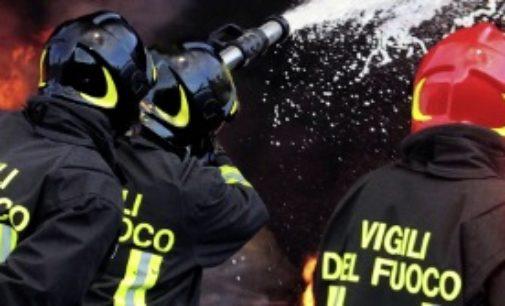 Castel Frentano: picchiano vigili del fuoco e carabinieri accorsi per domare incendio, arrestati