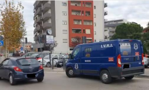 Montesilvano: assalto con fucili a portavalori Ivri, banditi disarmano i vigilantes e fuggono con il bottino