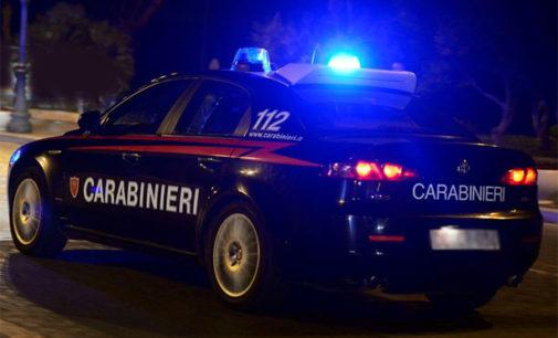 Casoli: rubano mezzi e attrezzature dalla vetreria ma i carabinieri li scoprono