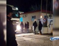 La polizia da Chieti sgombera nottetempo il presidio alla Faist di Lanciano e scorta i tir verso l'Umbria