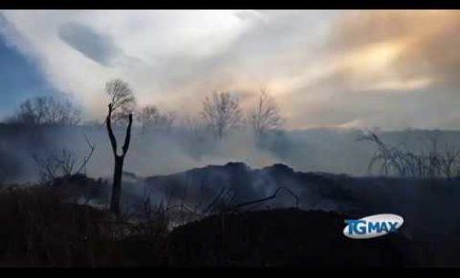 Vento e fiamme in Val di Sangro, sospetto incendio doloso
