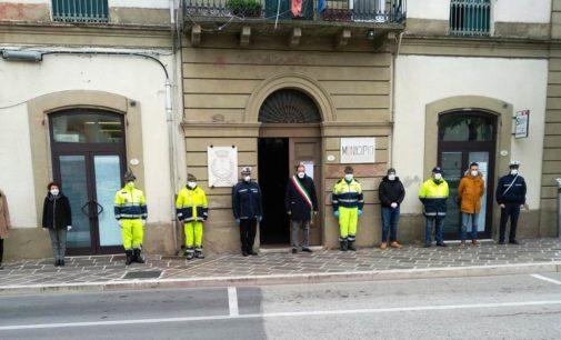 Coronavirus: a Fossacesia un minuto di silenzio per le vittime del Covid 19, bentornato al sindaco Di Giuseppantonio
