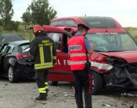 Casoli: incidente stradale a Guarenna con i vigili del fuoco, tre feriti