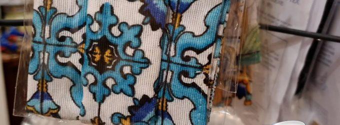 Mascherina: è boom per il nuovo accessorio moda della fashion victim, da abbinare all'outfit