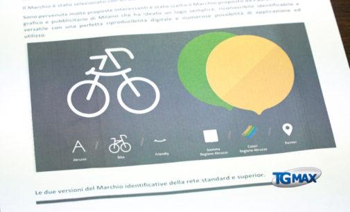 Turismo: un nuovo logo per l'Abruzzo, regione amica della bicicletta