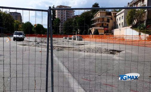 Lanciano: riaprono le scuole, divieto di sosta per le auto in piazza Memmo e in via Miscia