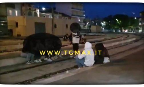 """Aggressione: il 13enne spontaneamente dai carabinieri, """"io minacciato, ho reagito"""""""