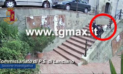 Lanciano: rapina 80enne disabile e lo fa cadere sulle scale in centro storico, arrestato