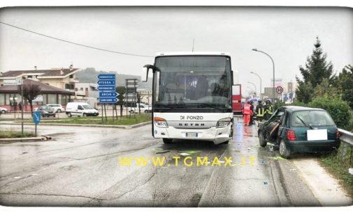 Atessa: incidente stradale tra auto e pullman, grave un anziano