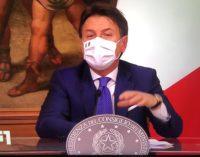 """Nuovo Dpcm: il premier Conte raccomanda, """"Natale solo con i conviventi"""""""