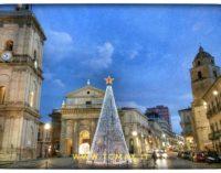 Lanciano: arriva il nuovo albero di Natale, sarà alimentato con pannelli fotovoltaici