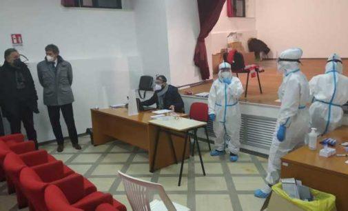 Boom di contagi nell'area metropolitana Chieti-Pescara, 76 per cento dei casi odierni nelle due province