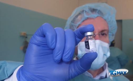 Vaccini: riaperta piattaforma regionale per over 80, disabili e fragili
