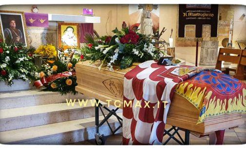 """Lanciano: i funerali di Danilo Marfisi, """"adesso organizzerai il Mastrogiurato in paradiso"""""""