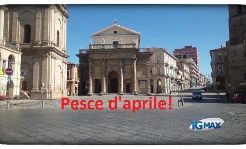 Lanciano: in tanti abboccano al pesce d'aprile, ma piazza Plebiscito non è in vendita