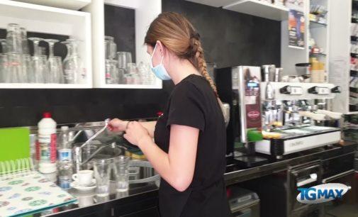 Riaperture, torna il caffè al bancone del bar