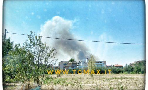 Lanciano: incendio nelle contrade, evacuate abitazioni tra S.Amato e Madonna del Carmine