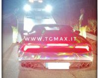 Fossacesia, in 3 sulla Lamborghini Huracan: auto confiscata, 25enne romano denunciato