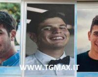 Alessandro, Massimiliano e Mattia: le esequie nel Palasport di Casoli martedì 7 settembre